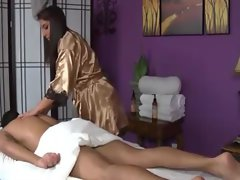 Hottest pornstar masseuse fellatio dick for her client
