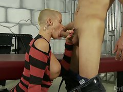 Sensuous Joslyn James throat bangs this stiff pecker