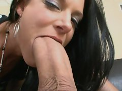 Rough inward and deep vagina of India Summers is expanded widely by a fat pecker