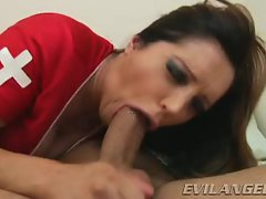 Francesca Le spreads her lips round this stiff shaft