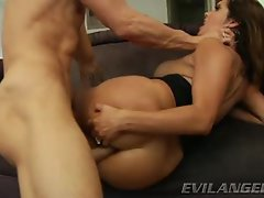 Francesca Le loves getting her attractive stunning anal thumped