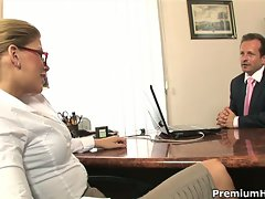Brooklyn lee drilled by boss in the office