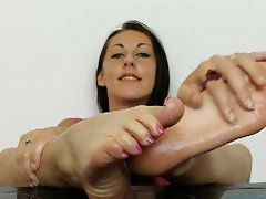 Claire's luscious bare feet