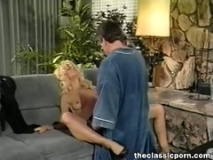 Retro mum banged on the couch