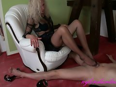 boss dirty wife mum footjob with cumshot in extrem high heels