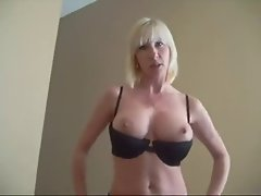amateur cocksucker large melons experienced swallows