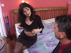 seductive mom in stockings gets a nice fuck