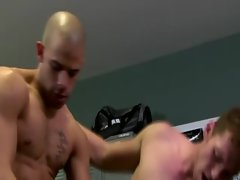 Sensual muscley gays love stroking penis