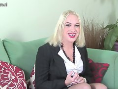 First time on cam English Mum getting naked on casting