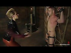 Slutty girl in latex bringing her man excellent pain