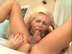 He pushes tempting blonde tart down on his shaft
