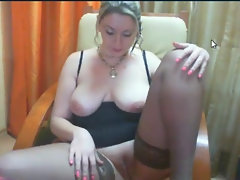 Buxom ayllinna is alluring in her web show