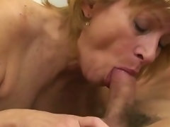 Very hairy attractive mature cunt banged