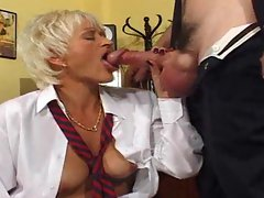 Secretary gives up her snatch to the boss