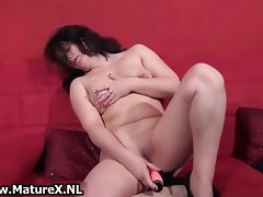 Dark haired mature whore having an orgasm part2