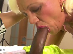 Hirsute aged slutty mom gets her older quim filled with jizz