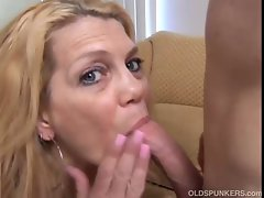 Gorgeous experienced tempting blonde loves to fuck