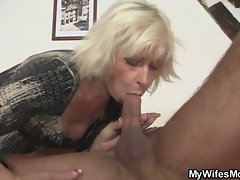 I'v just cummed on my slutty mom in law