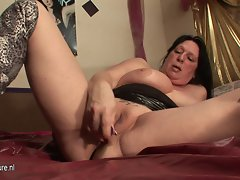Squirting cheating wife slutty mom goes nuts