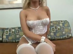 Sexual Tempting blonde Toys With Her Vulva Then Toys With A Throbbing shaft