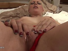 Amateur light-haired slutty mom jerk off alone