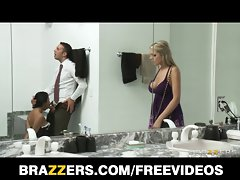 Brazzers - Big titted light-haired Darcy Tyler blackmails her best frie