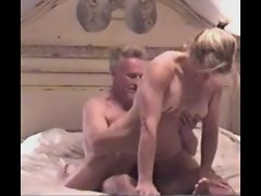 Blondie Aged Dirty wife Riding and Licking