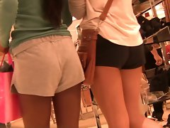 Shopping Seductive teen Trio