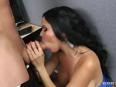 Diamond Kitty gobbles down a stiff throbbing prick