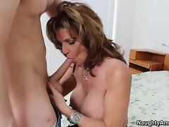 Luscious young lady Deauxma slavers over a stiff phallus