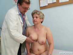Attractive mature Ruzena gyno fetish clinic doctor visit