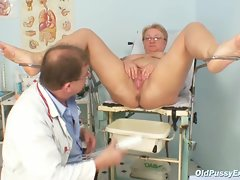 Plumper aged Radka gets perfect speculum exam by kinky gyno