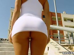 Superb Franceska Jaimes gets her ass out