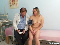Attractive mature Jaroslava gyno speculum vagina checkup at gyno cl