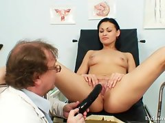 Pavlina gyno cunt speculum examination on gynochair at