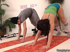 Sassy Brooklyn Lee stretches out her sexual limbs