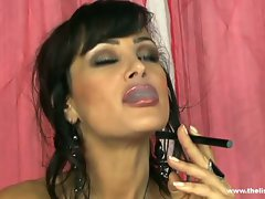 Smoking filthy Lisa Ann plays with her amazing body
