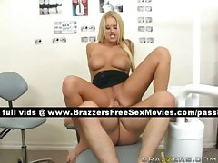 Tempting tempting blonde babe on the dentist chair