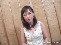 Attractive experienced Asian bitch gets bushy twat