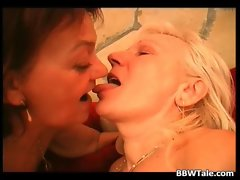 Two experienced plumper nymphos have lesbo strokes