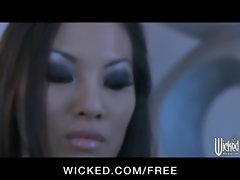 Asian call lassie Asa Akira deepthroats her client before rectal