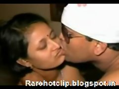 Rarehotclip.blogspot.in - Bhabi taing a extremely huge shaft in mouth
