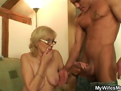 Slutty slutty mom in law gets boned