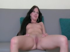 Artificial agent delighting dark haired pussy