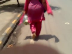 Randy indian Mummy in Pinkish Salwar Butt