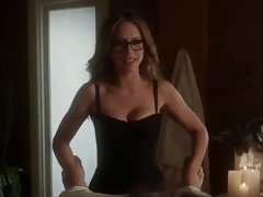 Jennifer Love Hewitt is stunning & luscious
