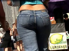 candid naughty butt in jeans