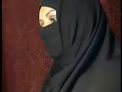 Arab algerian Dirty wife Demonstrates OFF----ARABIC