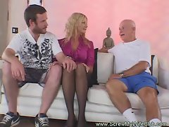 Blondie Amateur Swinger Gets Screwed