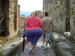 Huge Butt Walking